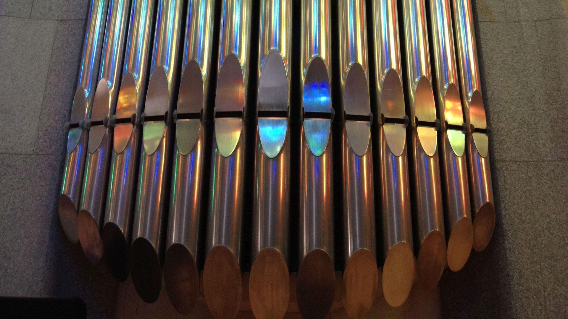 WallpaperFusion-organ-pipes-sagrada-familia-barcelona-Original-1920x1080.jpg